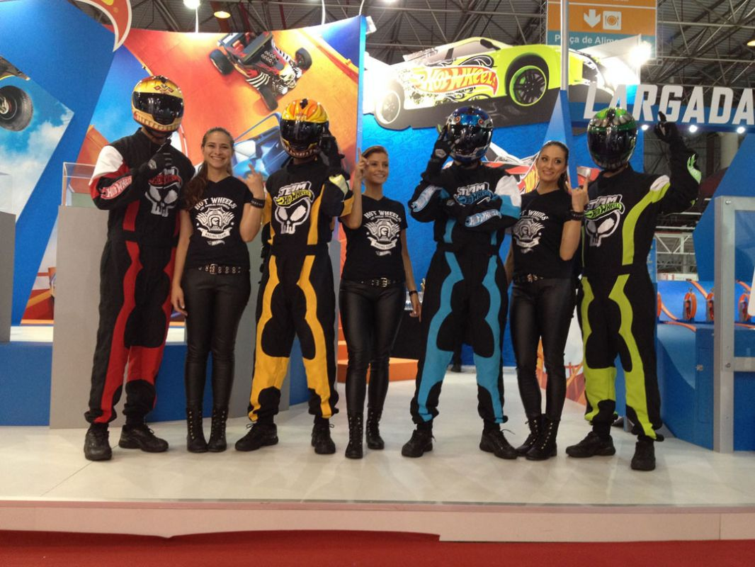 Pilotos do Team Hot Wheels ao vivo no stande da Hot Wheels, novembro 2014